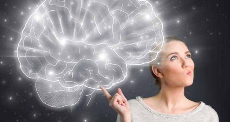Αυτά τα 8 γνωρίσματα χαρακτηρίζουν τα άτομα με ανώτερη ευφυΐα! (Φωτό)