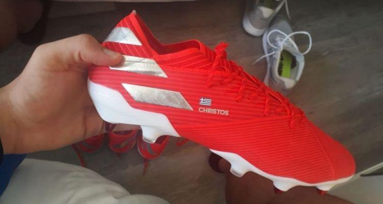 Τα παπούτσια που θα φορά στο Euro 2019 o Καλυβιώτης Χρήστος Μπελεβώνης