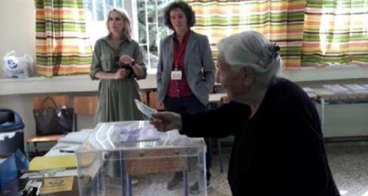 Ιωάννινα: Ψηφοφόρος ετών 103! (Φωτό)