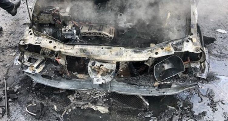 Κάηκε ολοσχερώς ΙΧΕ στην Ιόνια Οδό στα διόδια Μενιδίου (Φωτό)