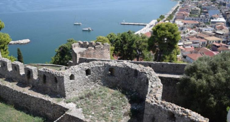 Επιστολή Παντελή Αποστολάκη για την απογευματινή λειτουργία του κάστρου Βόνιτσας