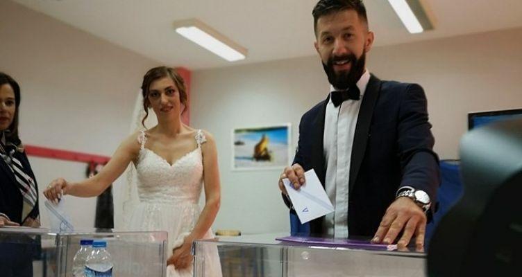Αχαΐα: Από την εκκλησία και τον γάμο στην… κάλπη! (Φωτό)