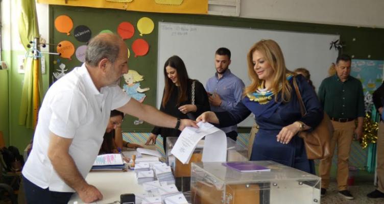 Ψήφισε η Χριστίνα Σταρακά στο  11ο Δημοτικό Σχολείο Αγρινίου