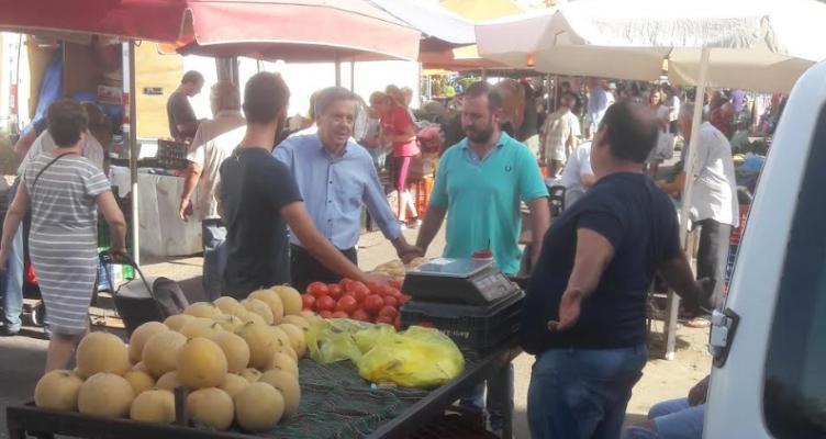 Στα Παρακαμπύλια και τη Λαϊκή Αγορά του Σαββάτου στο Αγρίνιο ο Βασίλης Αντωνόπουλος