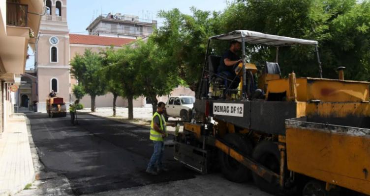 Συνεχίζονται οι ασφαλτοστρώσεις σε ολόκληρο τον Δήμο Πατρέων