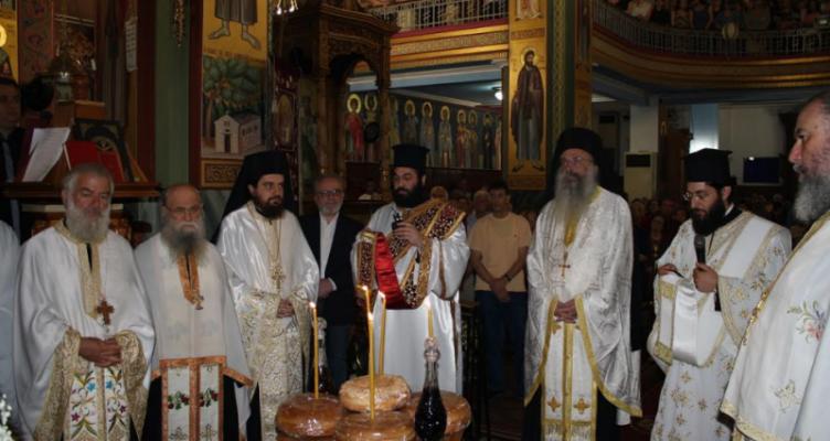 Με λαμπρότητα πανηγύρισε ο Ιερός Ναός Αγίας Τριάδος Αγρινίου