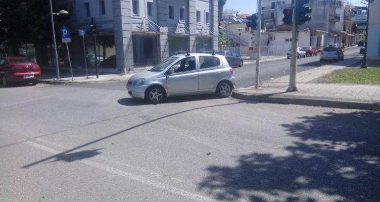 Αγρίνιο: Σύγκρουση δύο Ι.Χ.Ε. αυτοκινήτων – Δεν υπήρξε τραυματισμός (Φωτό)