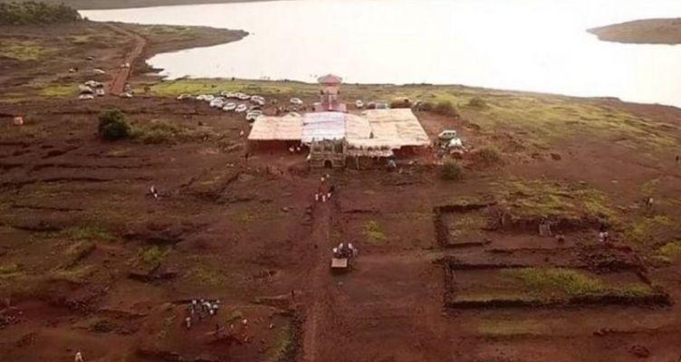 Το χωριό που εμφανίζεται μια φορά τον χρόνο (Βίντεο)