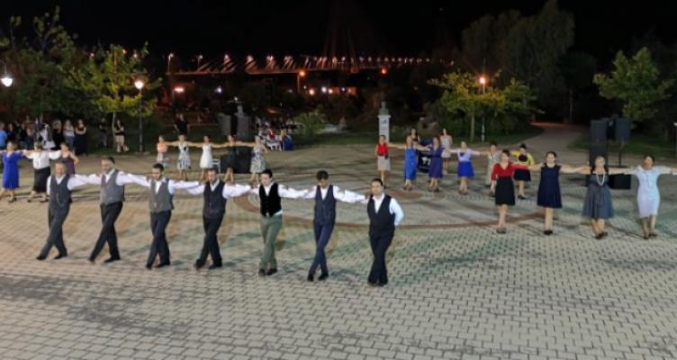 Αυλαία με απονομές στο 4ο φεστιβάλ παραδοσιακών χορών στο Αντίρριο (Βίντεο)