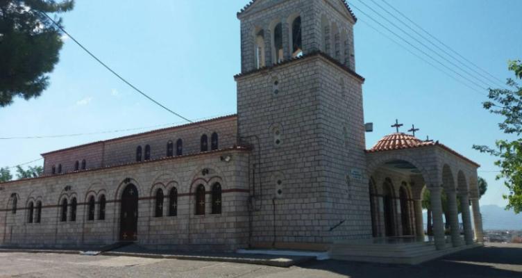 Ι.Ν. Αγίας Παρασκευής Αγρινίου: Περιφορά Επιταφίου της Παναγίας