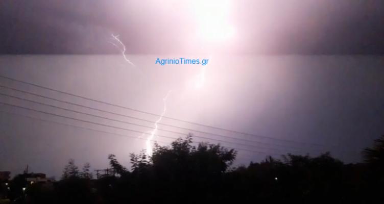 «Χορός» αστραπών στον ουρανό της Αιτωλοακαρνανίας! (Βίντεο – Φωτό)