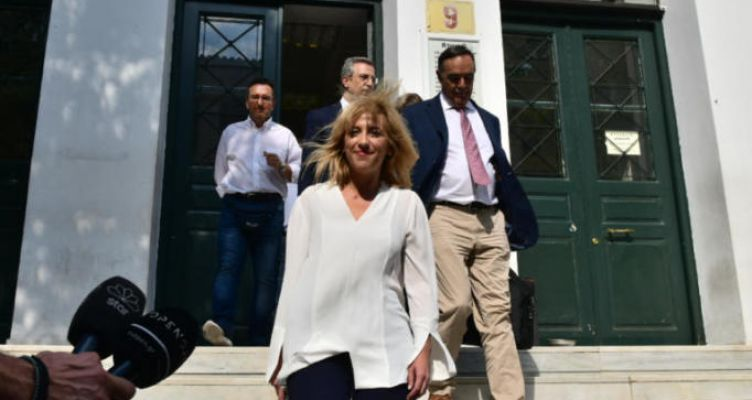 Ρένα Δούρου: Ελεύθερη χωρίς όρους για την τραγωδία στην Μάνδρα