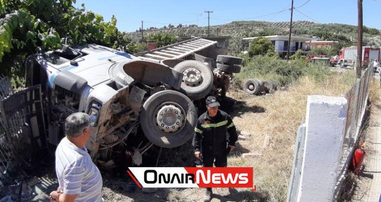 Μεσολόγγι: «Τρελή» πορεία φορτηγού – στο Νοσοκομείο ο οδηγός
