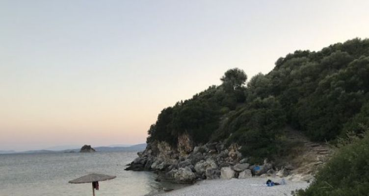 Αη Γιάννης Παλαίρου Πογωνιάς ξεχωριστή Παραλία για λίγους