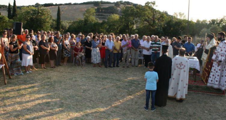 Αχαΐα: Ιερή παράκληση στην Θεοτόκο στην ύπαιθρο