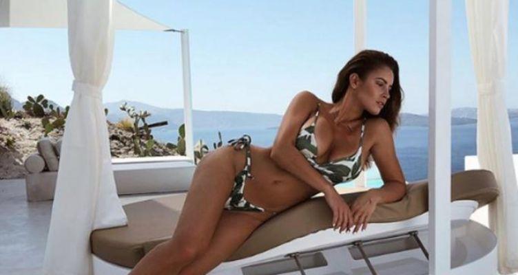 Lucia Javorcekova: Η ακατάλληλη για καρδιακούς ανάρτησή της! Ολόγυμνη με θέα το Αιγαίο…