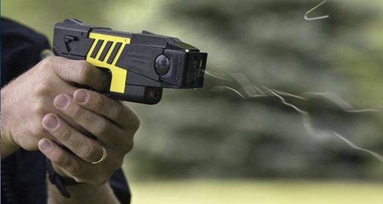 Κόμβος Ρίγανης: Συνελήφθη για συσκευή ηλεκτρικής εκκένωσης (τέιζερ)