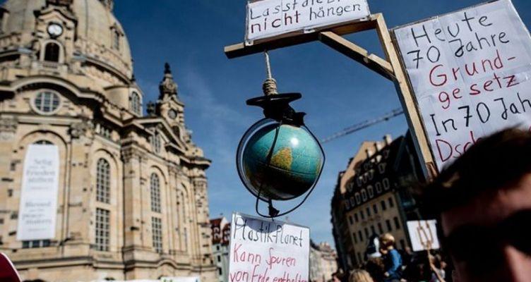 Χιλιάδες άνθρωποι διαδήλωσαν σε τουλάχιστον 150 χώρες για το κλίμα