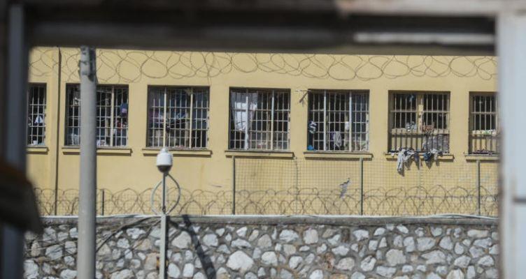 Πάτρα: Απαγωγέας έπαιρνε άδειες από τις φυλακές και έκανε ληστείες