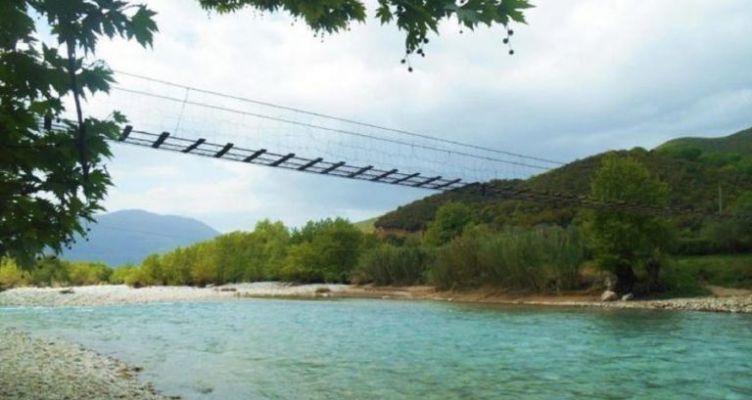 Η πιο περίεργη γέφυρα στην Ελλάδα βρίσκεται στην Ορεινή Ναυπακτία! (Βίντεο)