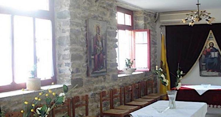 Γιορτάζει το παρεκκλήσι της Υψώσεως του Τιμίου Σταυρού στη Γραμματικού
