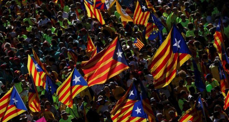 Ισπανία: Ποινές κάθειρξης για τους αυτονομιστές ηγέτες της Καταλονίας