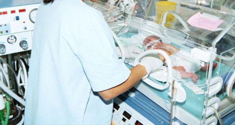 24χρονη μόλις γέννησε εγκατέλειψε το μωρό της σε πολυκατοικία