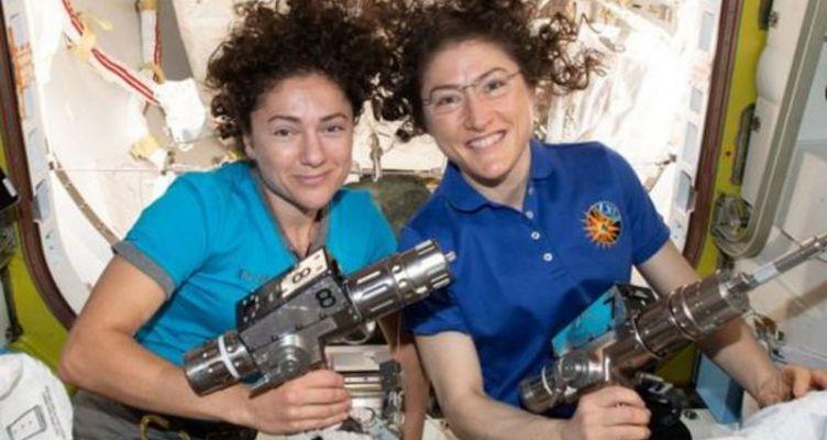 Ο πρώτος αποκλειστικά γυναικείος διαστημικός περίπατος από δύο αστροναύτες της NASA