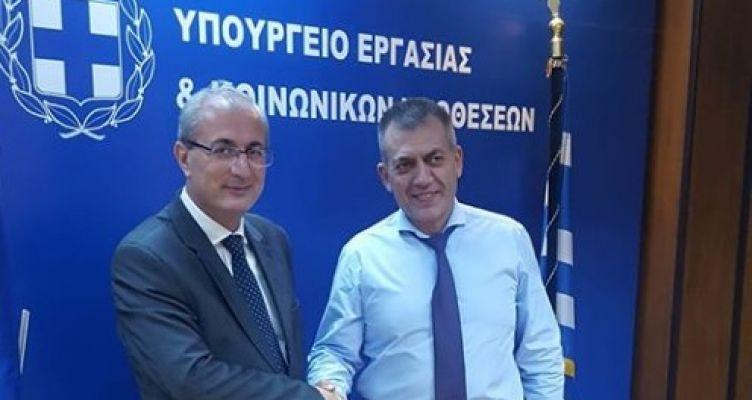 Συνάντηση του Σπύρου Κωνσταντάρα με τον Υπουργό Εργασίας Γ. Βρούτση