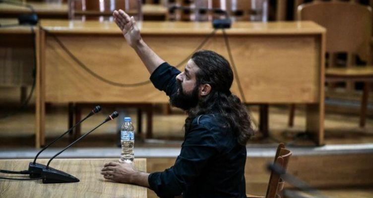 Ο Αιτ/νας πρώην Βουλευτής Μπαρμπαρούσης: «Έχει θετική ενέργεια ο ναζιστικός χαιρετισμός»