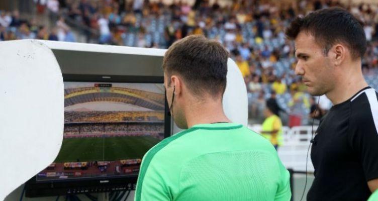 Nova: «Άλλο η τηλεοπτική μετάδοση των αγώνων και άλλο το VAR»