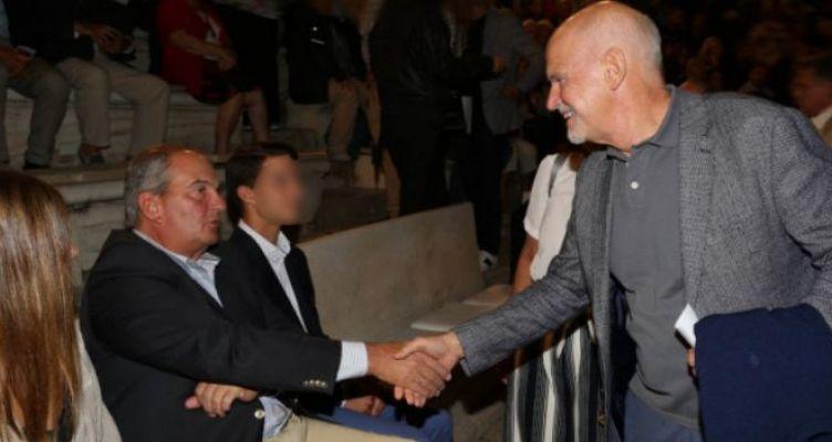 Τυχαία συνάντηση κορυφής στο Ηρώδειο: Κ. Καραμανλής και Γ. Παπανδρέου