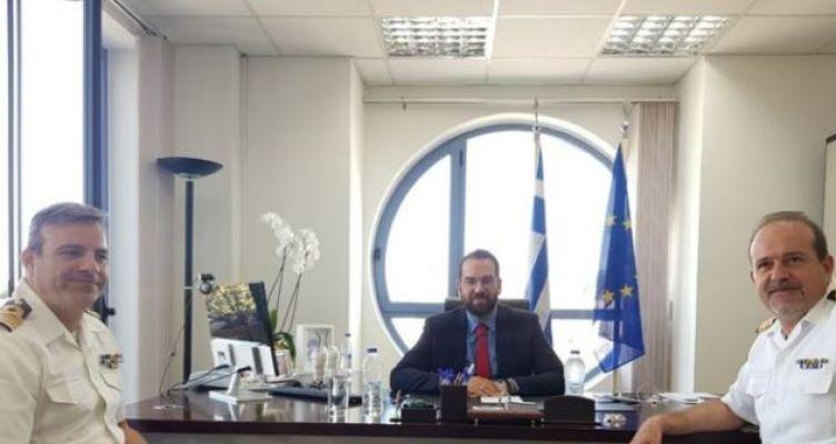 Το πολεμικό ναυτικό, στο γραφείο του περιφερειάρχη Δυτικής Ελλάδας