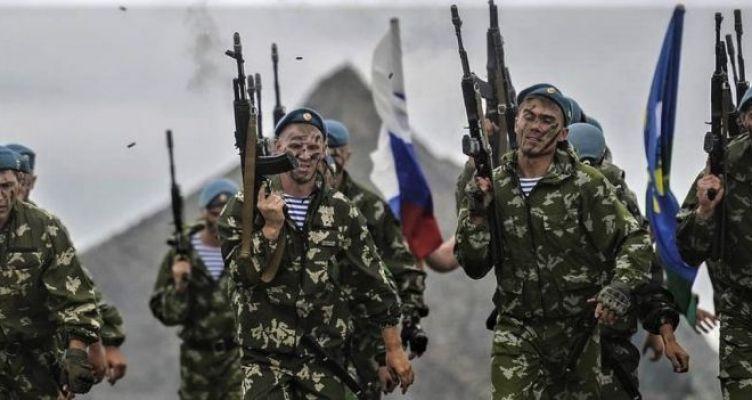 Ρωσική αεραπόβαση ανατολικά του Ευφράτη: Εκατοντάδες κομάντο στο αεροδρόμιο του Καμίσλι
