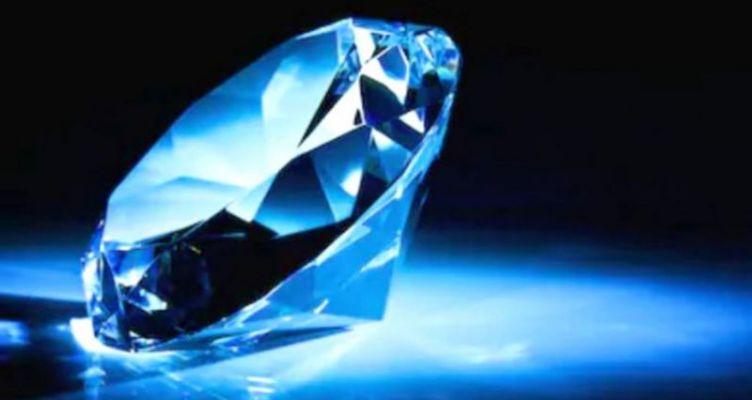 Σπάνιο διαμάντι αξίας 500.000 ευρώ κλάπηκε από σπίτι