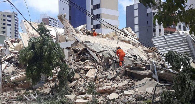 Βραζιλία: Κατέρρευσε πολυκατοικία – Τουλάχιστον ένας νεκρός