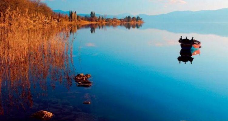 Ερώτηση Βελόπουλου για την κατασκευή Υδατοδρομίου στη Λίμνη Τριχωνίδα