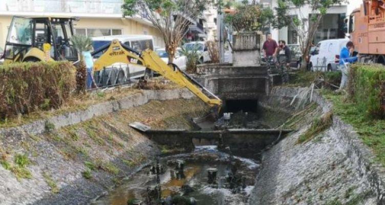 Ναύπακτος: Παρεμβάσεις στο ποταμάκι του Γριμπόβου (Φωτό)