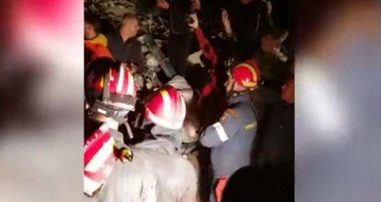 Φονικός σεισμός στην Αλβανία: Ζωντανός ανασύρθηκε 25χρονος έπειτα από 21 ώρες στα ερείπια