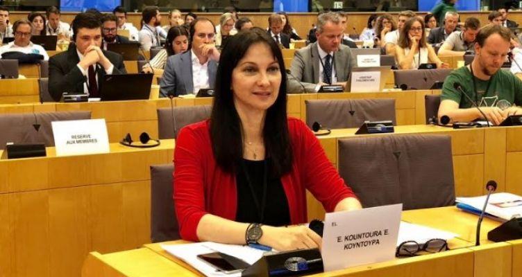 Μέτρα στήριξης της Ελλάδαςζητά από την Κομισιόν η Έλενα Κουντουρά