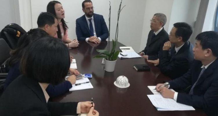 Συνάντηση του Νεκτάριου Φαρμάκη με την Κινεζική Αντιπροσωπεία