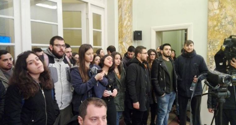 Αγρίνιο:Φοιτητές σε κατάσταση απελπισίας – Γιατί κάνουν κατάληψη