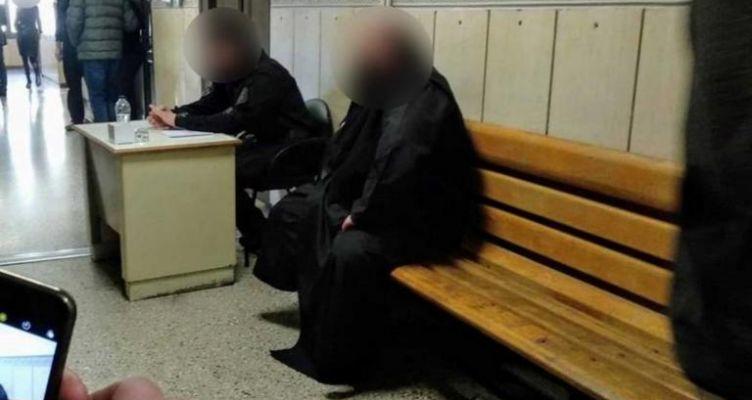 Πάτρα: Στον εισαγγελέα ο ιερέας που έκαιγε καρναβαλικό εξοπλισμό