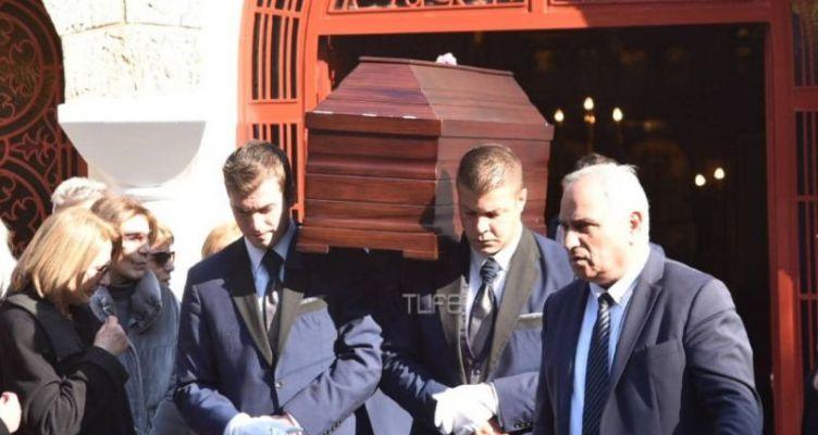 Χριστίνα Λυκιαρδοπούλου: Θλίψη στην κηδεία της δημοσιογράφου