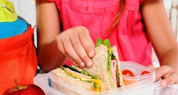 Υπ. Εργασίας: Εγκρίθηκε κονδύλι 44 εκατ. ευρώ για σχολικά γεύματα