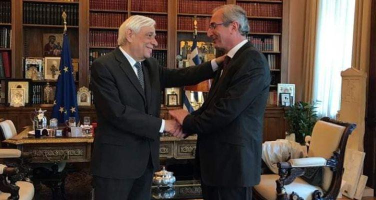Ο Σπύρος Κωνσταντάρας αποχαιρέτισε και ευχαρίστησε τον Προκόπη Παυλόπουλο