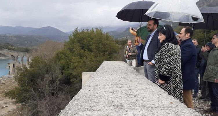 Επίσκεψη του Ν. Φαρμάκη και της Μ. Σαλμά στον Εμπεσό και τη Γέφυρα Τέμπλας
