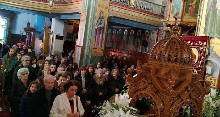 Ι. Ν. Αγίας Τριάδος Αγρινίου: Συνεχίζεται το προσκύνημα της Τιμίας Κάρας του Οσίου Δαυίδ