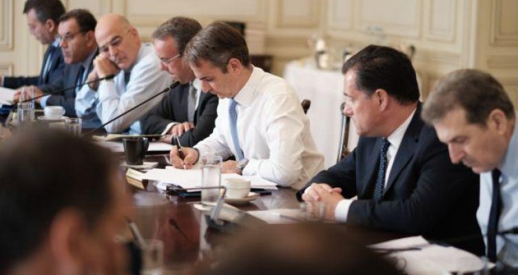 Ο Μητσοτάκης συγκαλεί υπουργικό συμβούλιο για το προσφυγικό – Συνάντηση και με Μουτζούρη
