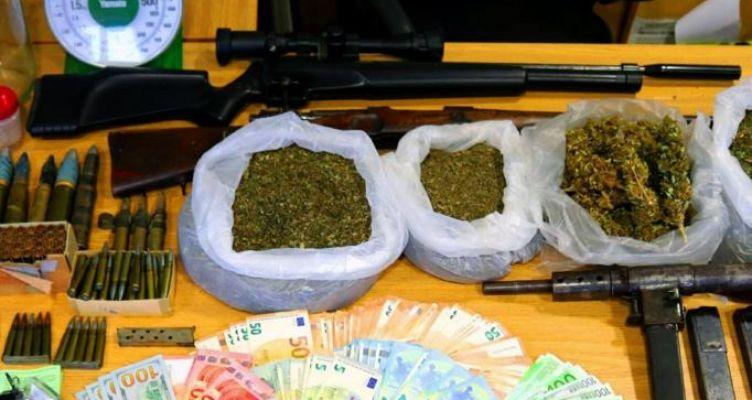 Συνελήφθη πασίγνωστη παίκτρια ελληνικού ριάλιτι για όπλα και ναρκωτικά!